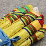 10pcs Tibet Shining Golden Words Tara bouddhiste écritures drapeaux délicate Impression colorée en soie drapeaux de prière avec 5couleurs Drapeau de la marque Dollbling image 1 produit
