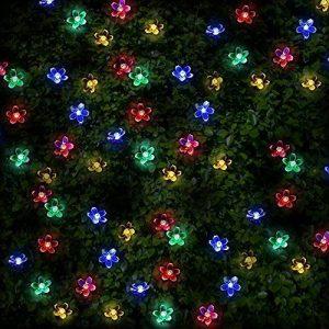 100 Guirlandes Solaires LED en Forme de Fleur Multicolores - Eclairages Extérieur Energie Solaire Imperméable - Lampes Solaires du Jardin / Lanterne Externe avec Intégré Nuit Capteur, Ficelle et Piquet - Lumières de fée Solaire Alimenté pour Noël, De Plei image 0 produit
