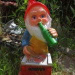 123 Nain De Jardin - Nain De Jardin Super Grill Une Bière À La Main de la marque 123 Nain de Jardin image 1 produit