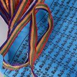 (34 x 34cm)40 Fuilles Drapeaux de Prière de 7M Bouddiste Tibétain Décoration Jardin Bouddha(20 Fuilles et 7M par chaque Rouleau) de la marque DEOMOR image 3 produit