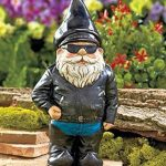 Biker Nain de Jardin - figurine originale avec blouson en cuir de motard de la marque Gnome image 1 produit