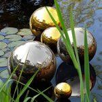 Blumfeldt Silver Globe - Boule de jardin décorative en inox V2A, surface polie haute brillance (30cm Ø, boule creuse pour flotter dans les bassins) - argent de la marque Blumfeldt image 1 produit