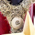BRUBAKER Porte-bouteille de vin - Père Noël - Métal - Carte de vœux incluse - Idée cadeau originale - Objet décoratif de la marque Brubaker image 4 produit