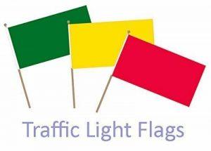 BZB Lot de 3 petits drapeaux jaune, vert et rouge (prêt, partez, arrêtez) à agiter avec la mainIdéal pour les écoles, le sport, les jeux et autres activités ludiques 30 cm de la marque BZB image 0 produit