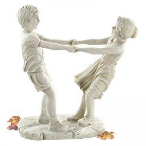 Design Toscano KY71279 petite fille et un petit garçon dansant Statue de jardin Blanc cassé 23 x 39,5 x 45,5 cm de la marque Design Toscano image 0 produit
