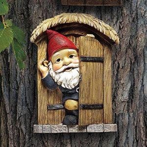 Design Toscano QL4281 Garden Gnome Statue - Knothole Bienvenue Gnomes - Gnome arbre porte - Fairy Garden - Gnome Village de la marque Design Toscano image 0 produit
