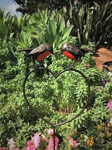 Farm and Garden Le cette Année. ravissant RSPB en métal s'embrassant rouge-gorges sur un cœur Pique 1.1m de hauteur–partie du fait main Tilnar Commerce équitable Gamme de la marque Farm and Garden image 0 produit