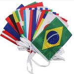 G2PLUS Lot Intermational drapeaux fanions, monde Pays Bannière avec différents drapeaux nationaux 14cm * 21cm pour les fans de football Rugby Présentation cas, 32 FIFA World Flags de la marque G2PLUS image 1 produit