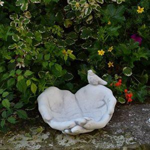 gartendekoparadies.de 'Abreuvoir pour oiseaux de gamelle mains avec oiseau en en pierre au gel de la marque gartendekoparadies.de image 0 produit
