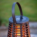 Lanterne Solaire Grande Effet Rotin avec Bougie LED pour Jardin par Lights4fun de la marque Lights4fun image 1 produit