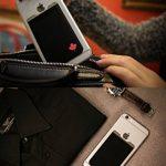 """""""Le porte carte adhesif - Gecko pour téléphone portable - en Canada Drapeau"""" de la marque Gecko Travel Tech image 3 produit"""