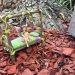 Lit Bébé Nain Féerique Miniature - Lit 4 Poteaux Miniature pour votre Fée et Nain de Jardin, Lutin et Farfadet - Accessoire Jardin Féerique de la marque GlitZGlam image 4 produit