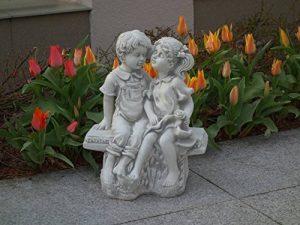 Magnifique statue de garçon et fille sur un banc en pierre de fonte, résistant au gel de la marque gartendekoparadies.de image 0 produit