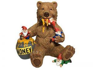 Ours et gnomes miniatures avec miel, une statue de nain de jardin pour votre jardin enchanté de la marque GlitZGlam image 0 produit