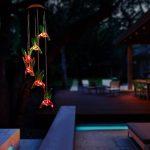 PATHONOR Carillon à vent Solaire Colibris LED Lumière Changeant de Couleur Lampe Solaire Oiseau-mouche Déesse de Forêt pour Jardin Patio Porch Mobile d'exterieur intérieur Décor Lumineux de la marque Pathonor image 5 produit