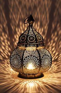Petite Lanterne marocaine en métal Ziva 30cm argenté   Photophore marocain pour l'extérieur au jardin ou l'intérieur sur la table   Lanternes pour bougie   décoration de maison orientale de la marque Marrakesch Orient & Mediterran Interior image 0 produit