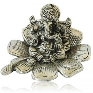 Purpledip en métal Blanc Ganesha sur Lotus doté, idées de cadeau indien (10176) de la marque Purpledip image 0 produit