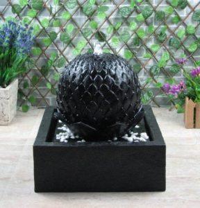 Wehmann Lotus Fontaine solaire pour jardin et terrasse de jour et de nuit de la marque Wehmann image 0 produit